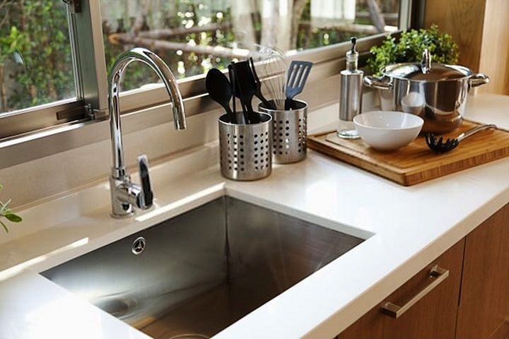 Loose Moen Single Handle Kitchen Faucet